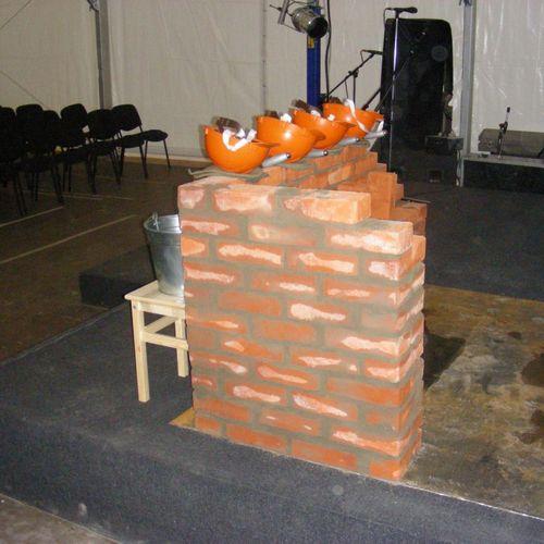 Изготовление бутафорской кирпичной стены